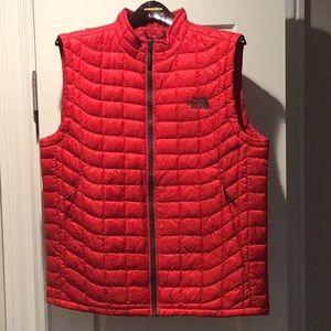 Men's NorthFace quilted vest